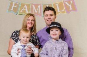 Nelnet Regional Director Kristi Jones and her family
